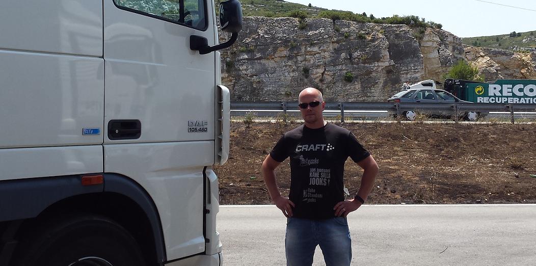 Autojuht ja koolitaja Priit Lilleorg Prantsusmaal uut koormat ootamas