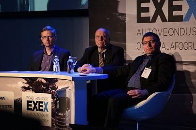 Ametikoolitus OÜ tegevjuht Lenno Põder (vasakul) EXEX Autoveonduse otsustajafoorumil tööjõuprobleemist ja lahendustest rääkimas.